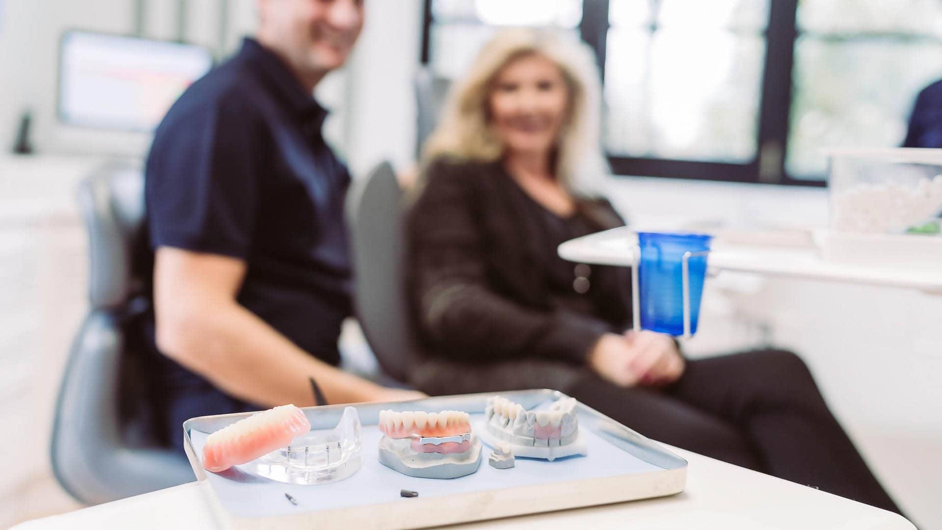 Zahnprothese statt Implantat