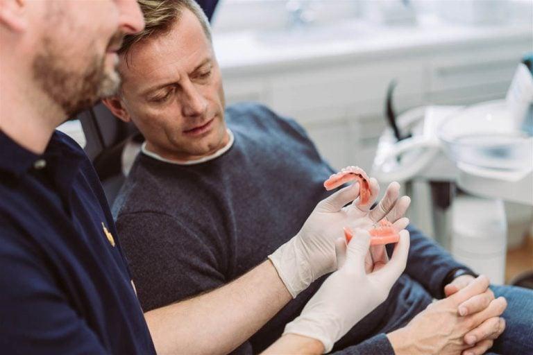 Minizahnimplantate bei Dr. Franz Atzlinger